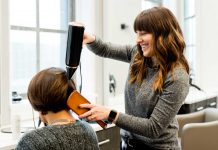Secrets-of-Hairdresser-for-Making-the-Blowout-Last-on-thestuffofsuccess