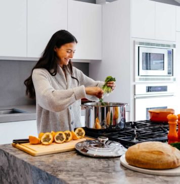 What-You-Should-Pack-For-the-Vacation-Rental-Kitchen-on-TheStuffofSuccess
