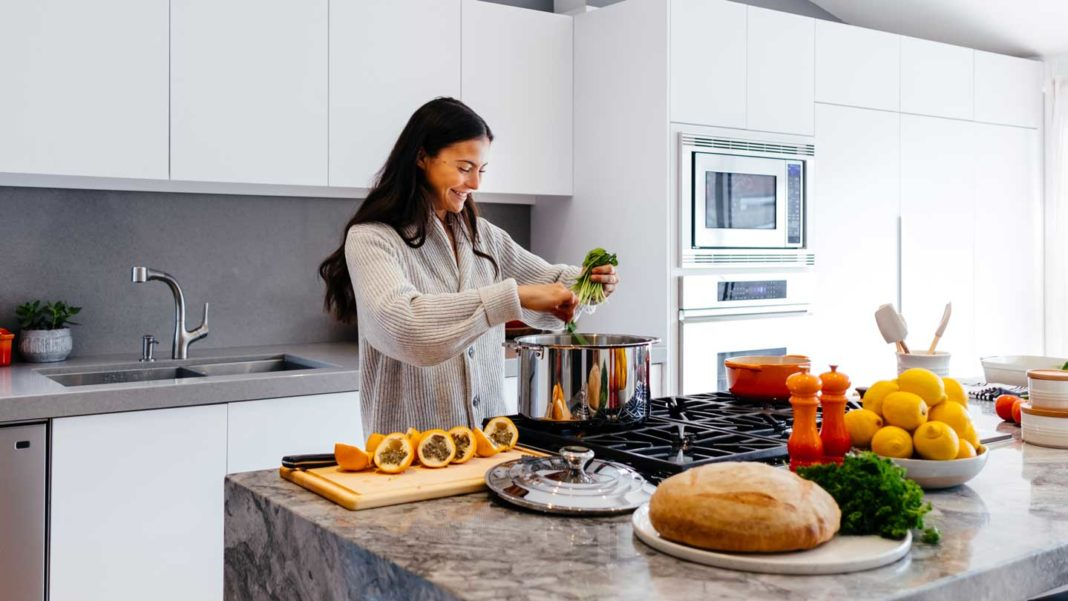 8-Unknown-Health-Benefits-of-Cooking-on-thestuffofsuccess